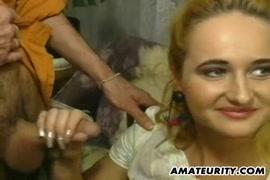 مفلس في سن المراهقة مارس الجنس من الصعب مع الوجه ضخمة وشاعر على الوجه.