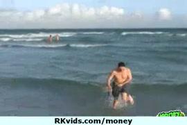 صور بنات اجنبى الشقر على البحر وفضايح بزز كس صوره