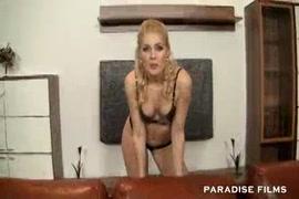 بنت تمارس الجنس مع اخوها مترجم