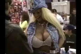 بنت تمارس الجنس مع کلب