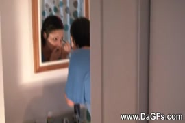 فيديو سكس يمص صدر زوجنه