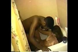 زوجة الساخنة مارس الجنس مع غريب بينما الأزواج في الحمام pt2.