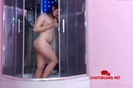 عرض الكاميرا الحية pornhub المراهقين مثير في الحمام.