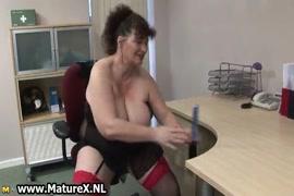 فيديو سكس رجلين مع امرأه مص ونياكه