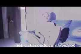 مقاطع فديو قصيرة لنياكة نساء