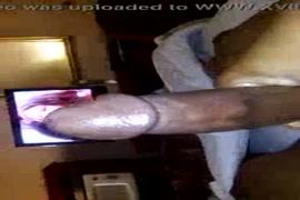 مص أصابع أقدام النساء