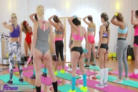 مقاطع فيديو سكس عربي بنات ﻻول مره يمارس الجنس