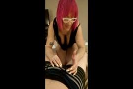 بنات جميلات يمارسن الجنس مع حصان