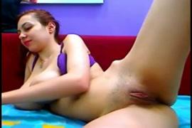 فيديو سكس رجل يمص ثدي فتاة